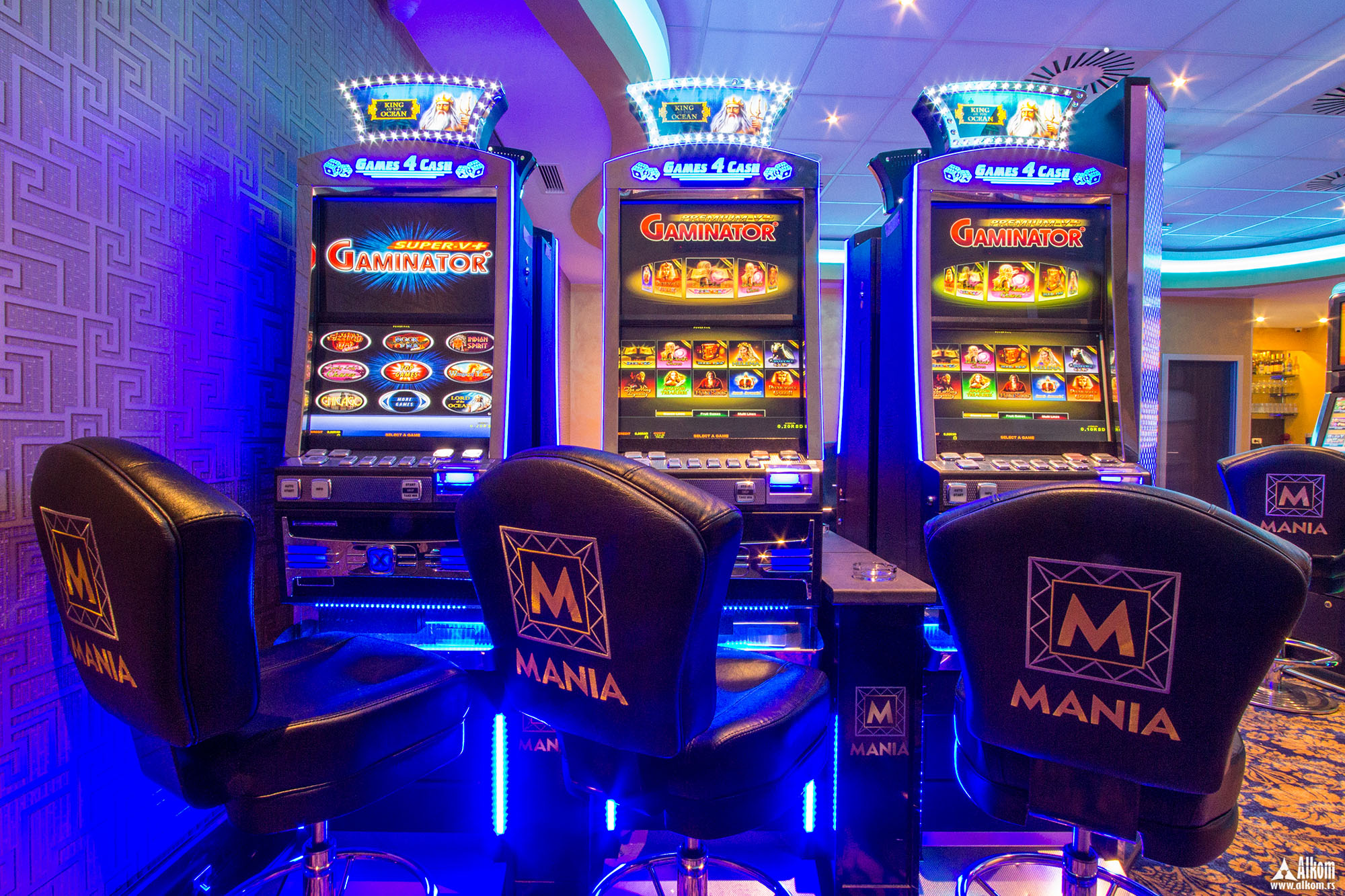 официальный сайт казино адмирал игровые автоматы